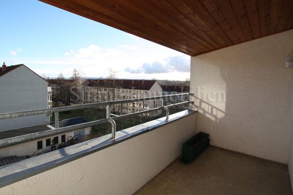DG-Wohnung mit gr. Balkon und Laminat...Bodenkammer... - ID 54 Image