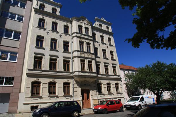 Schöne DG-Wohnung... Tageslichtbad mit Dusche... - ID 177 Image