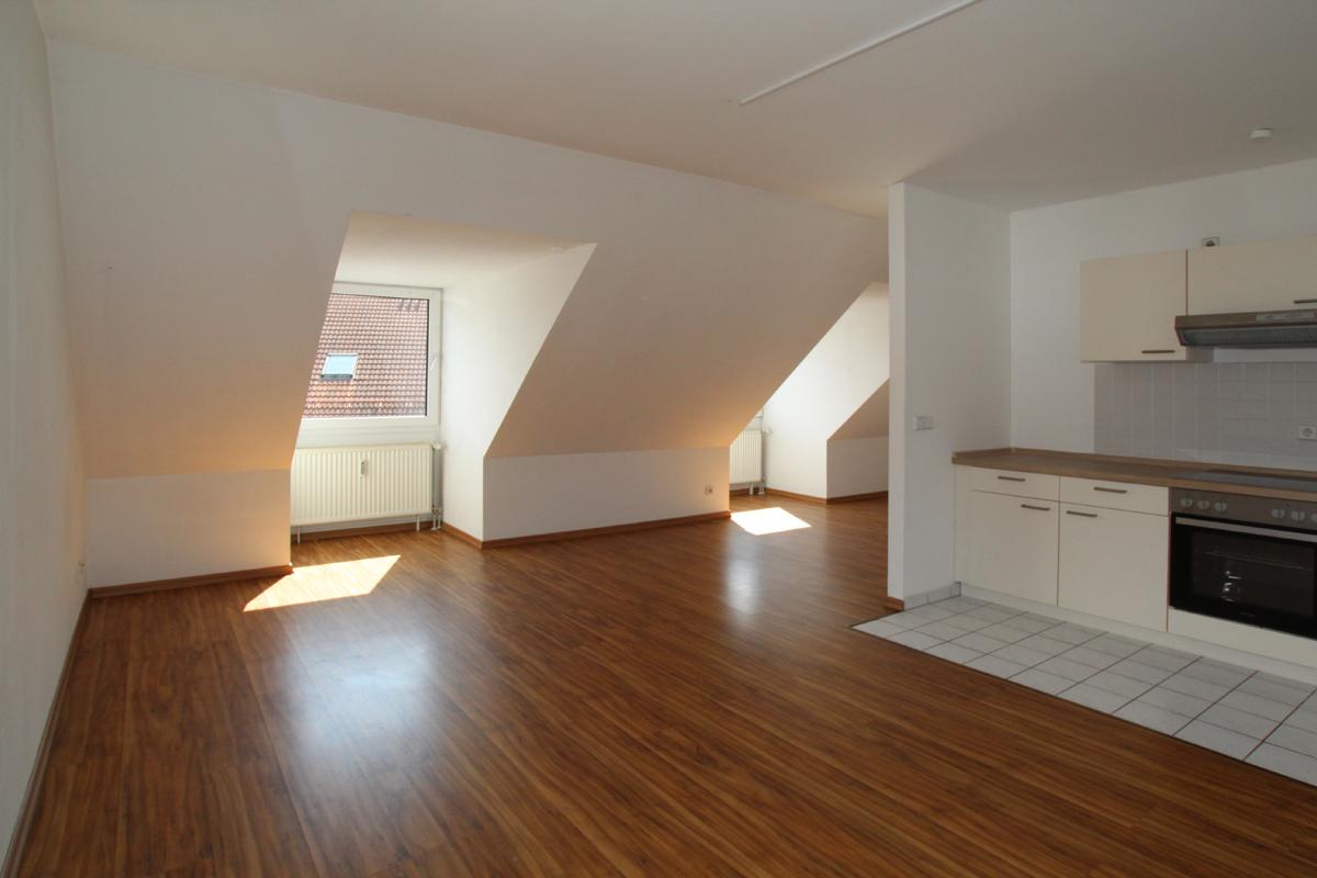Gemütliche DG-Wohnung mit Einbauküche - ID 139 Image
